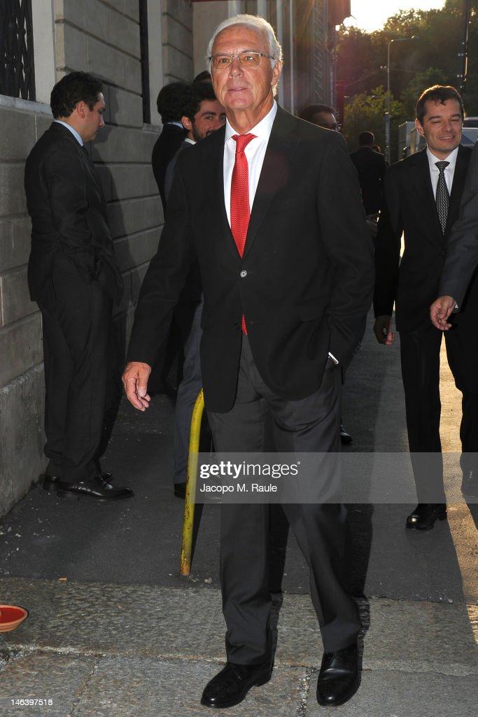 <a gi-track='captionPersonalityLinkClicked' href=/galleries/search?phrase=Franz+Beckenbauer&family=editorial&specificpeople=210545 ng-click='$event.stopPropagation()'>Franz Beckenbauer</a> arrives at Rupert Murdoch Host Sky Gala Dinner at PAC on June 12, 2012 in Milan, Italy.