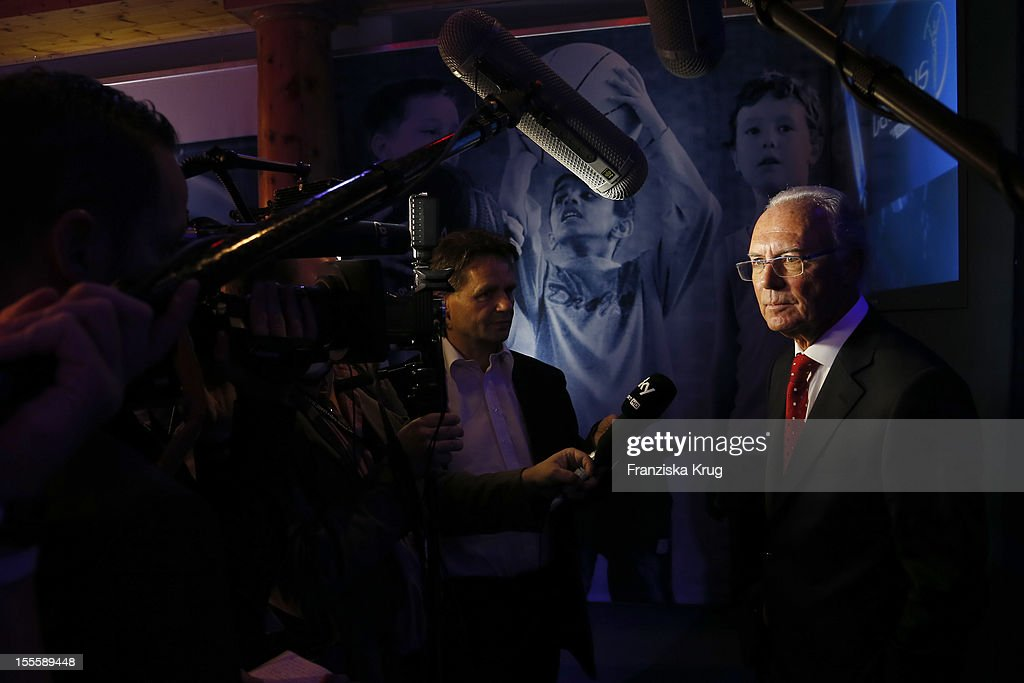 <a gi-track='captionPersonalityLinkClicked' href=/galleries/search?phrase=Franz+Beckenbauer&family=editorial&specificpeople=210545 ng-click='$event.stopPropagation()'>Franz Beckenbauer</a> attends the Laureus Media Award 2012 on November 05, 2012 in Kitzbuehel, Austria.