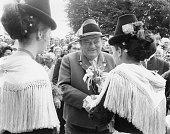 Franz Josef Strauß an seinem 60 Geburtstag in der Tracht der bayerischen Gebirgsjaeger