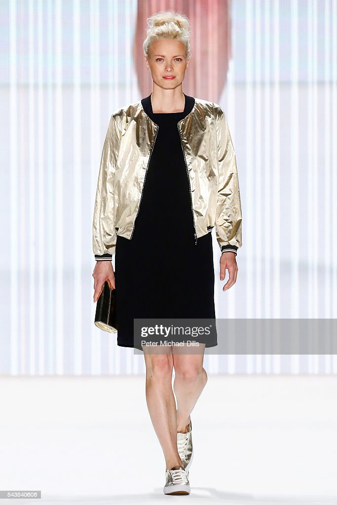 <a gi-track='captionPersonalityLinkClicked' href=/galleries/search?phrase=Franziska+Knuppe&family=editorial&specificpeople=209268 ng-click='$event.stopPropagation()'>Franziska Knuppe</a> walks the runway at the Minx by Eva Lutz show during the Mercedes-Benz Fashion Week Berlin Spring/Summer 2017 at Erika Hess Eisstadion on June 29, 2016 in Berlin, Germany.