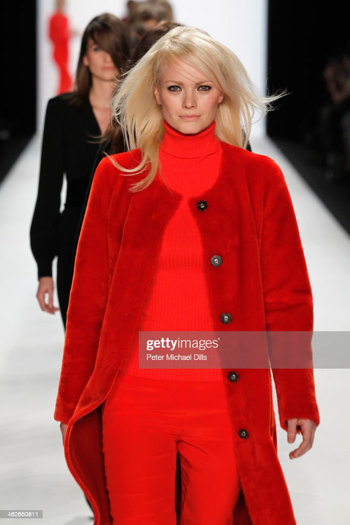 <a gi-track='captionPersonalityLinkClicked' href=/galleries/search?phrase=Franziska+Knuppe&family=editorial&specificpeople=209268 ng-click='$event.stopPropagation()'>Franziska Knuppe</a> walks the runway at the Riani show during Mercedes-Benz Fashion Week Autumn/Winter 2014/15 at Brandenburg Gate on January 14, 2014 in Berlin, Germany.