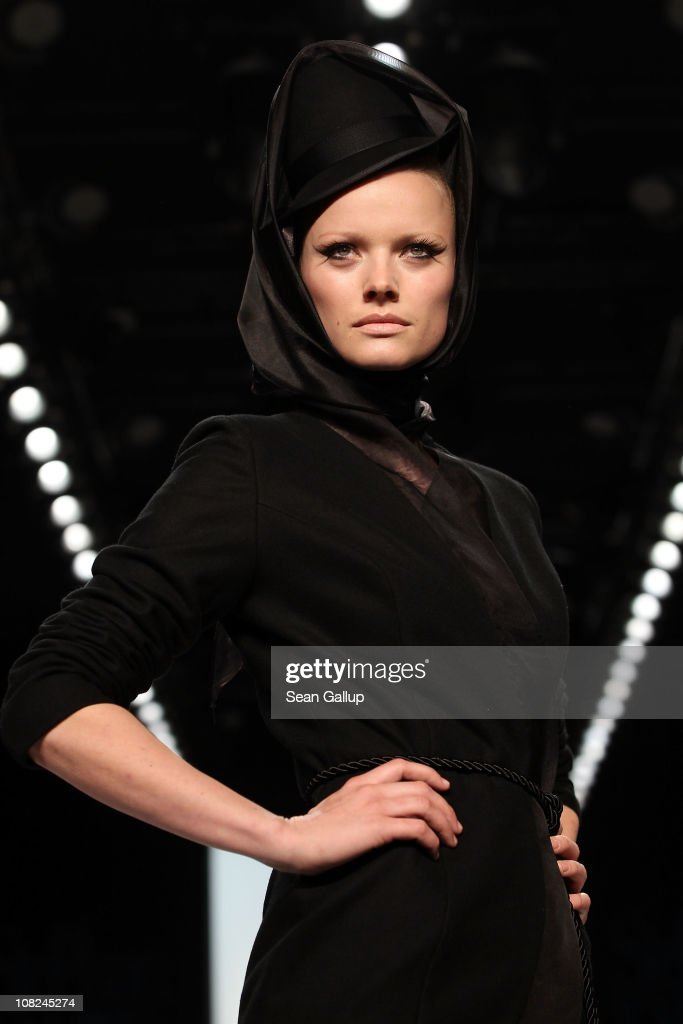<a gi-track='captionPersonalityLinkClicked' href=/galleries/search?phrase=Franziska+Knuppe&family=editorial&specificpeople=209268 ng-click='$event.stopPropagation()'>Franziska Knuppe</a> walks the runway at the Stephan Pelger Show during the Mercedes Benz Fashion Week Autumn/Winter 2011 at Bebelplatz on January 22, 2011 in Berlin, Germany.