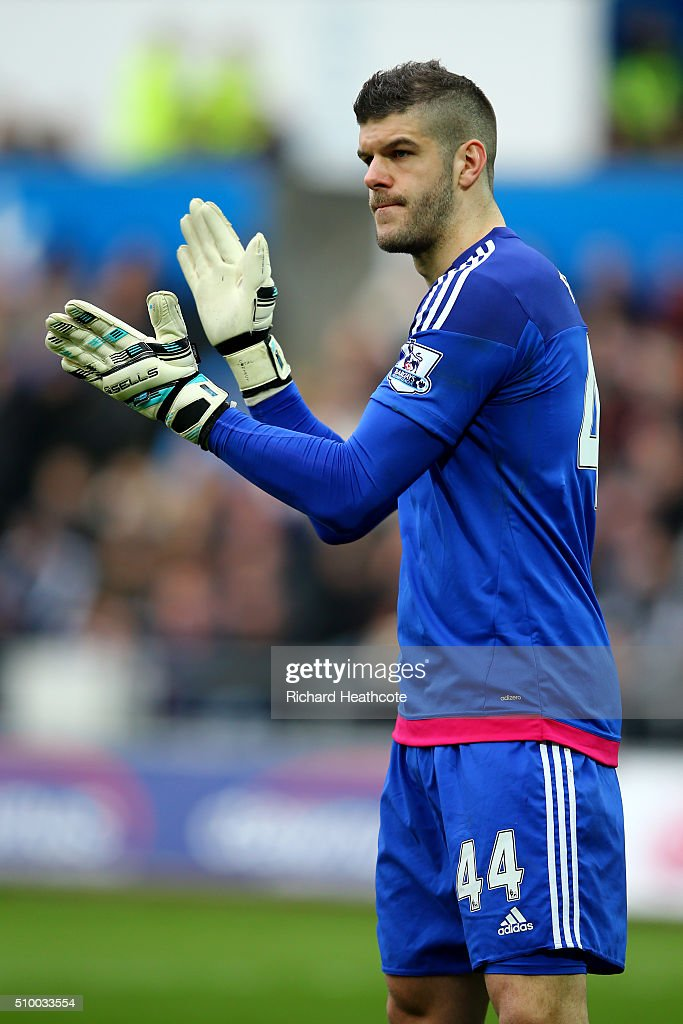 <a gi-track='captionPersonalityLinkClicked' href=/galleries/search?phrase=Fraser+Forster&family=editorial&specificpeople=4185429 ng-click='$event.stopPropagation()'>Fraser Forster</a> of Southampton in action during the Barclays Premier League match between Swansea City and Southampton at the Liberty Stadium on February 13, 2016 in Swansea, Wales.