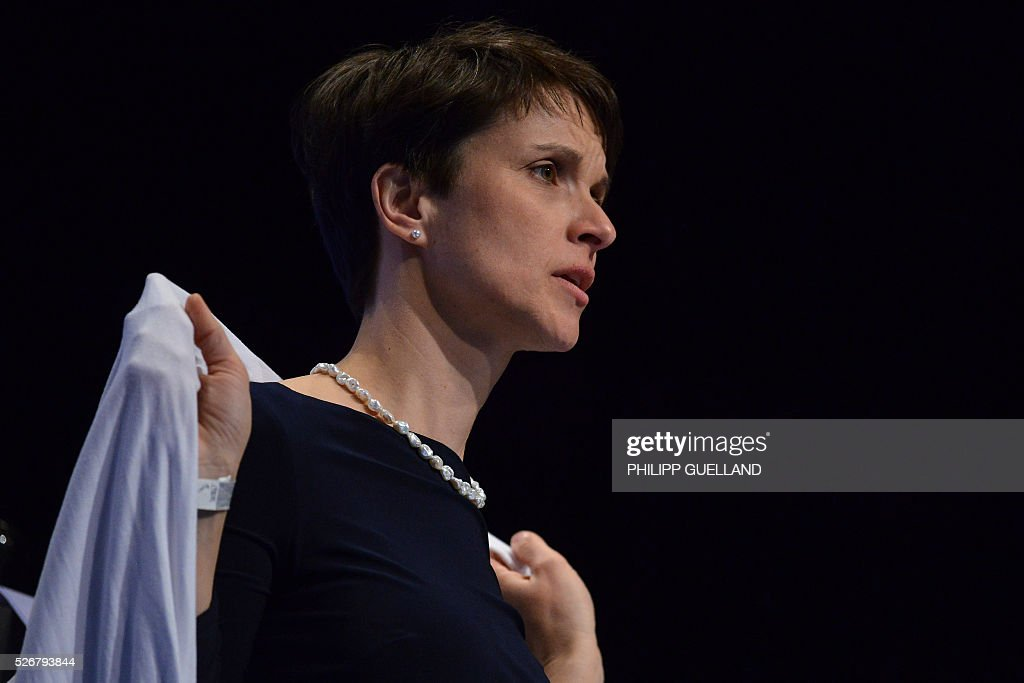 Frauke Petry, leader of the german right wing party Alternative for Germany (AfD) attends the party congress of the German right wing party AfD (Alternative fuer Deutschland) at the Stuttgart Congress Centre ICS on May 1, 2016 in Stuttgart, southern Germany. / AFP / Philipp GUELLAND