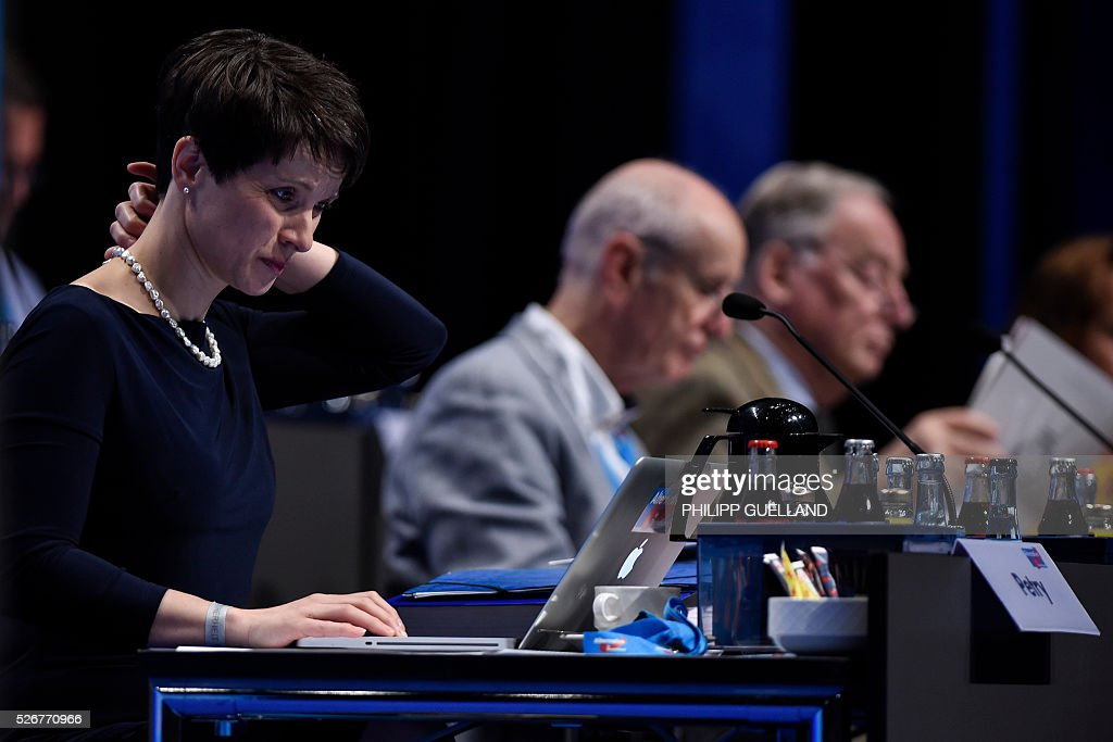 Frauke Petry,leader of the german right wing party Alternative for Germany (AfD) attends a party congress of the German right wing party AfD (Alternative fuer Deutschland) at the Stuttgart Congress Centre ICS on May 1, 2016 in Stuttgart, southern Germany. / AFP / Philipp GUELLAND