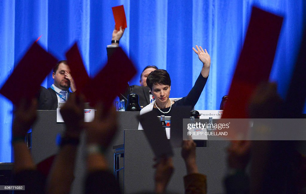 Frauke Petry,leader of the german right wing party Alternative for Germany (AfD) votes during a party congress of the German right wing party AfD (Alternative fuer Deutschland) at the Stuttgart Congress Centre ICS on May 1, 2016 in Stuttgart, southern Germany. / AFP / Philipp GUELLAND