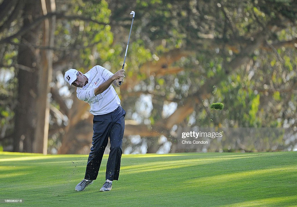 <a gi-track='captionPersonalityLinkClicked' href=/galleries/search?phrase=Fred+Couples&family=editorial&specificpeople=203076 ng-click='$event.stopPropagation()'>Fred Couples</a> hits to the 14th green during the second round of the Charles Schwab Cup Championship at TPC Harding Park on November 1, 2013 in San Francisco, California.