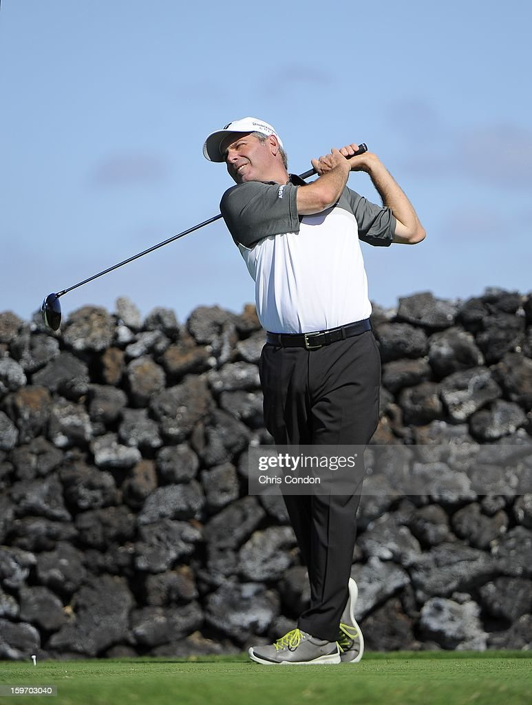 KA'UPULEHU-KONA, HI - JANUARY 18: Fred Couples plays from the ninth tee during the first round of the Mitsubishi Electric Championship at Hualalai Golf Club on January 18, 2013 in Ka'upulehu-Kona, Hawaii.