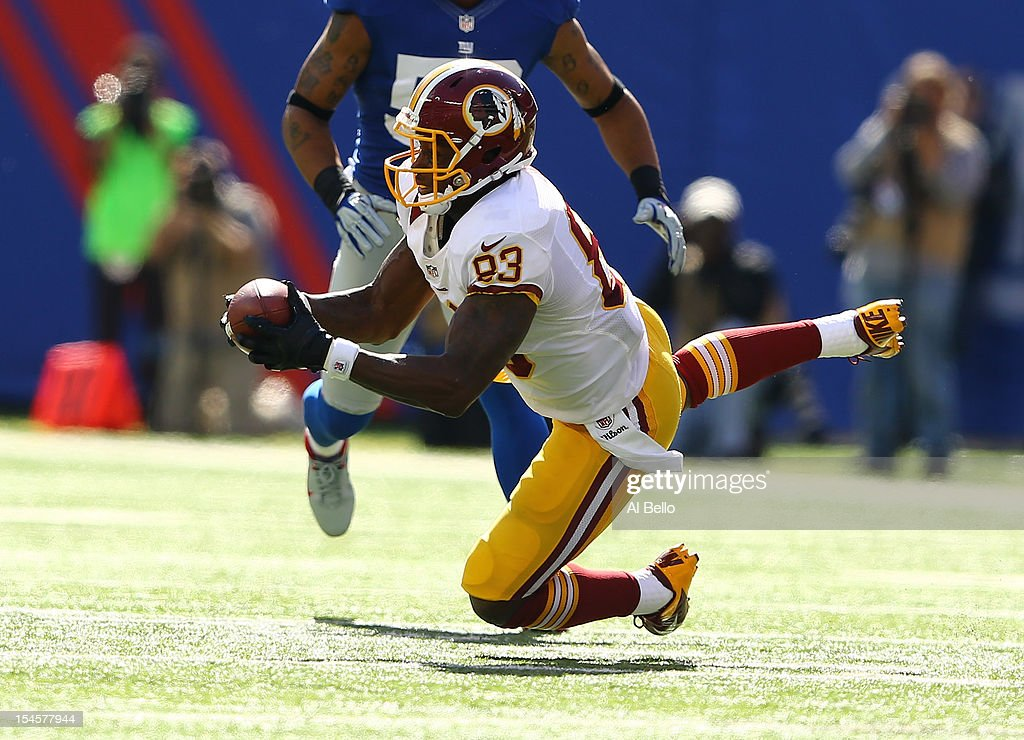 <a gi-track='captionPersonalityLinkClicked' href=/galleries/search?phrase=Fred+Davis&family=editorial&specificpeople=690413 ng-click='$event.stopPropagation()'>Fred Davis</a> #83 of the Washington Redskins in action during their game against the New York Giants at MetLife Stadium on October 21, 2012 in East Rutherford, New Jersey.