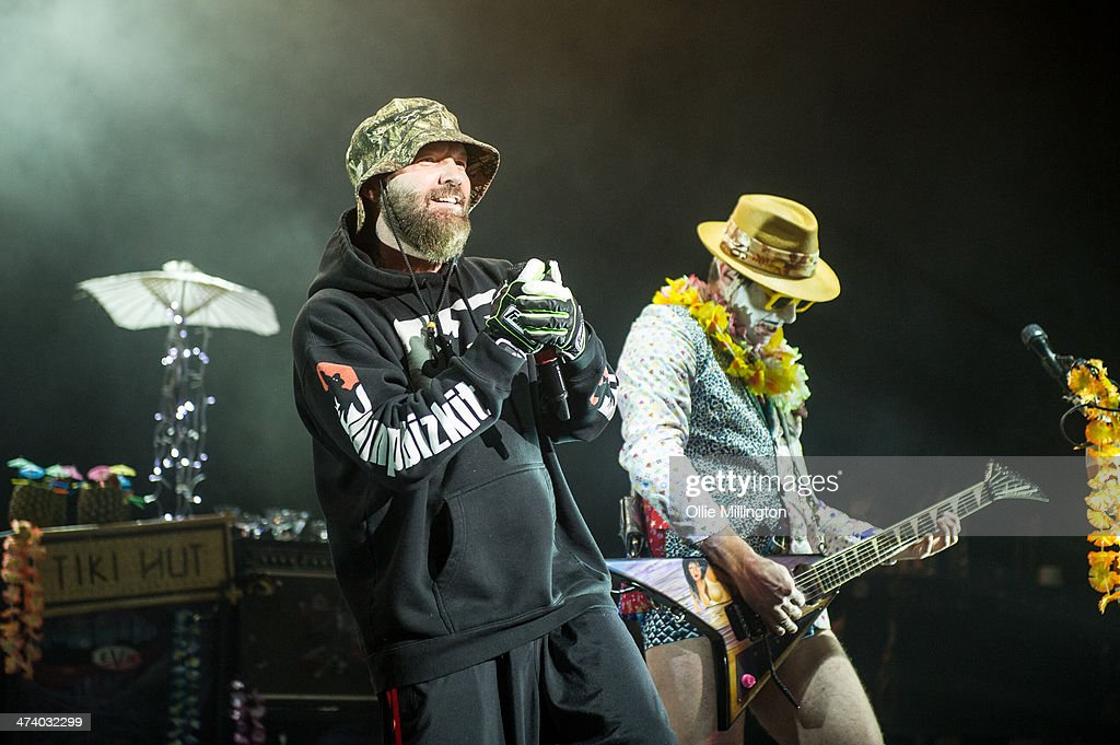 <a gi-track='captionPersonalityLinkClicked' href=/galleries/search?phrase=Fred+Durst&family=editorial&specificpeople=213065 ng-click='$event.stopPropagation()'>Fred Durst</a> and <a gi-track='captionPersonalityLinkClicked' href=/galleries/search?phrase=Wes+Borland&family=editorial&specificpeople=2213999 ng-click='$event.stopPropagation()'>Wes Borland</a> of Limp Bizkit perform on stage during the last date of the Kerrang Tour at Brixton Academy on February 21, 2014 in London, United Kingdom.