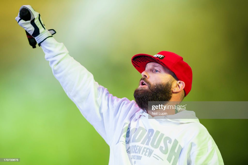 <a gi-track='captionPersonalityLinkClicked' href=/galleries/search?phrase=Fred+Durst&family=editorial&specificpeople=213065 ng-click='$event.stopPropagation()'>Fred Durst</a> of Limp Bizkit performs on stage on Day 3 of Download Festival 2013 at Donnington Park on June 16, 2013 in Donnington, England.