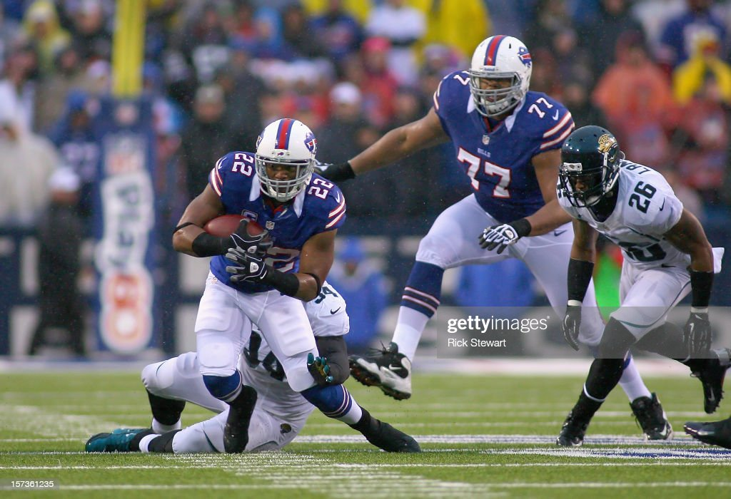 Fred Jackson #22 of the Buffalo Bills runs against the Jacksonville Jaguars at Ralph Wilson Stadium on December 2, 2012 in Orchard Park, New York. Buffalo won 34-18.