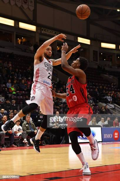Fred VanVleet of the Raptors 905 passes the ball against the Windy City Bulls on March 30 2017 in Mississauga Ontario Canada NOTE TO USER User...
