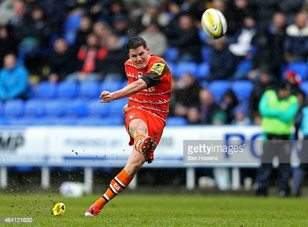 Freddie Burns of Leicester kicks a penalty during the Aviva Premiership match between London Irish and Leicester Tigers at Madejski Stadium on...