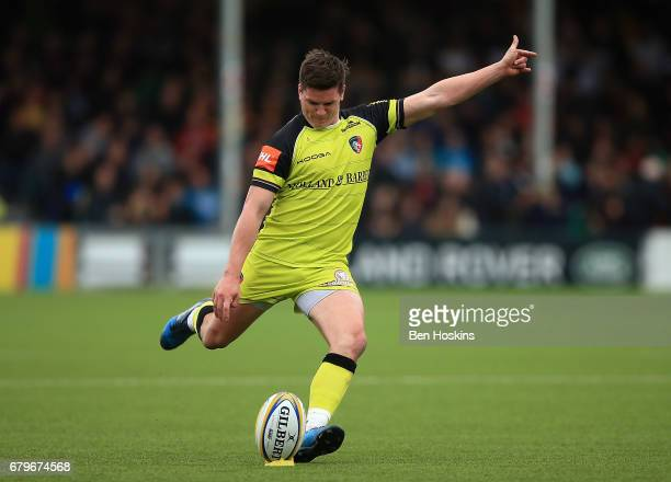 Freddie Burns of Leicester kicks a penalty during the Aviva Premiership match between Worcester Warriors and Leicester Tigers at Sixways Stadium on...