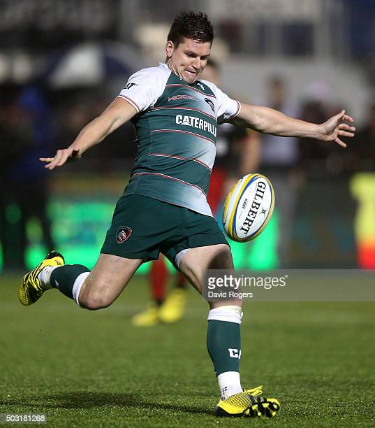 Freddie Burns of Leicester kicks the ball upfiield during the Aviva Premiership match between Saracens and Leicester Tigers at Allianz Park on...