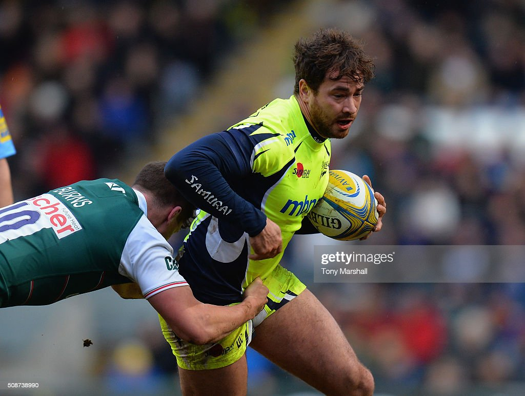 <a gi-track='captionPersonalityLinkClicked' href=/galleries/search?phrase=Freddie+Burns&family=editorial&specificpeople=5075956 ng-click='$event.stopPropagation()'>Freddie Burns</a> of Leicester Tigers tackles <a gi-track='captionPersonalityLinkClicked' href=/galleries/search?phrase=Danny+Cipriani&family=editorial&specificpeople=688774 ng-click='$event.stopPropagation()'>Danny Cipriani</a> of Sale Sharks during the Aviva Premiership match between Leicester Tigers and Sale Sharks at Welford Road on February 6, 2016 in Leicester, England.