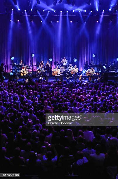 Freddie Edwards Rick Parfitt Francis Rossi Andrew Bown and John Edwards of Status Quo perform on stage as the band play their first ever unplugged...