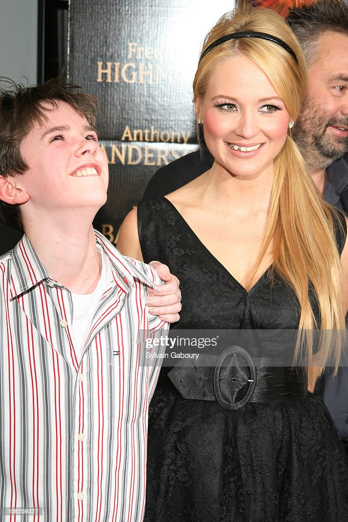 Freddie Highmore and Jewel during The Weinstein Companys' 'Arthur and the Invisibles' New York Premiere Arrivals at DGA Theater at 110 West 57th...