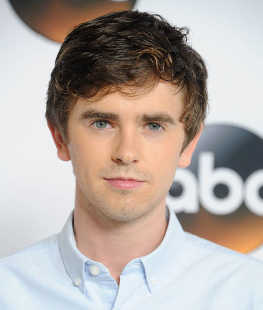 freddie highmore - photo #34