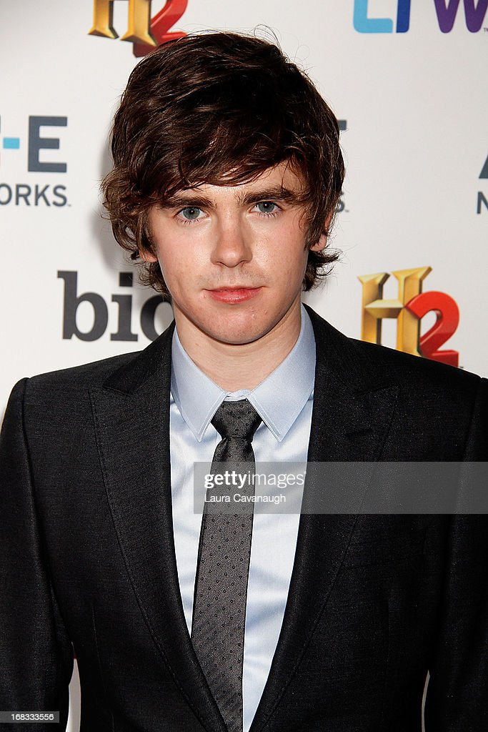 <a gi-track='captionPersonalityLinkClicked' href=/galleries/search?phrase=Freddie+Highmore&family=editorial&specificpeople=210834 ng-click='$event.stopPropagation()'>Freddie Highmore</a> attends A&E Networks 2013 Upfront at Lincoln Center on May 8, 2013 in New York City.