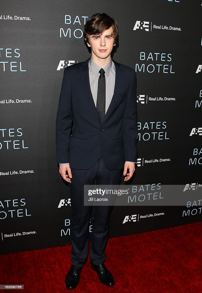 <a gi-track='captionPersonalityLinkClicked' href=/galleries/search?phrase=Freddie+Highmore&family=editorial&specificpeople=210834 ng-click='$event.stopPropagation()'>Freddie Highmore</a> attends the A&E new series premiere of 'Bates Motel' at Soho House on March 12, 2013 in West Hollywood, California.