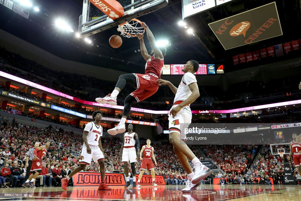 Freddie McSwain Jr. #21 of the Indiana Hoosiers dunks the ball against the Louisville Cardinals at KFC YUM! Center on December 9, 2017 in Louisville, Kentucky.