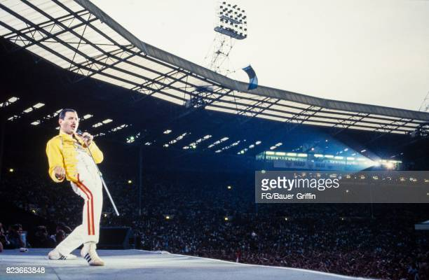 Freddie Mercury at the Queen concert at Wembley stadium during the Magic tour on July 11 1986 in London United Kingdom 170612F1