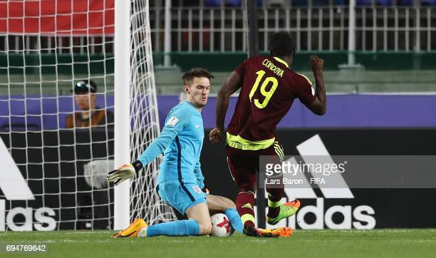 Freddie Woodman of England makes a save from Sergio Cordova of Venezuela during the FIFA U20 World Cup Korea Republic 2017 Final between Venezuela...