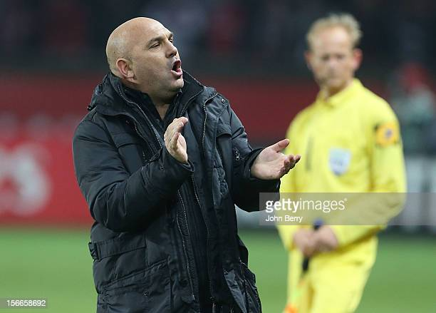 Frederic Antonetti coach of Rennes reacts during the french Ligue 1 match between Paris Saint Germain FC and Stade Rennais FC at the Parc des Princes...