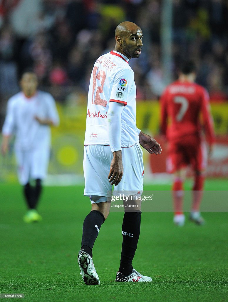 <a gi-track='captionPersonalityLinkClicked' href=/galleries/search?phrase=Frederic+Kanoute&family=editorial&specificpeople=213590 ng-click='$event.stopPropagation()'>Frederic Kanoute</a> of Sevilla FC looks on during the la Liga match between Sevilla and Real Madrid at Estadio Ramon Sanchez Pizjuan on December 17, 2011 in Seville, Spain.