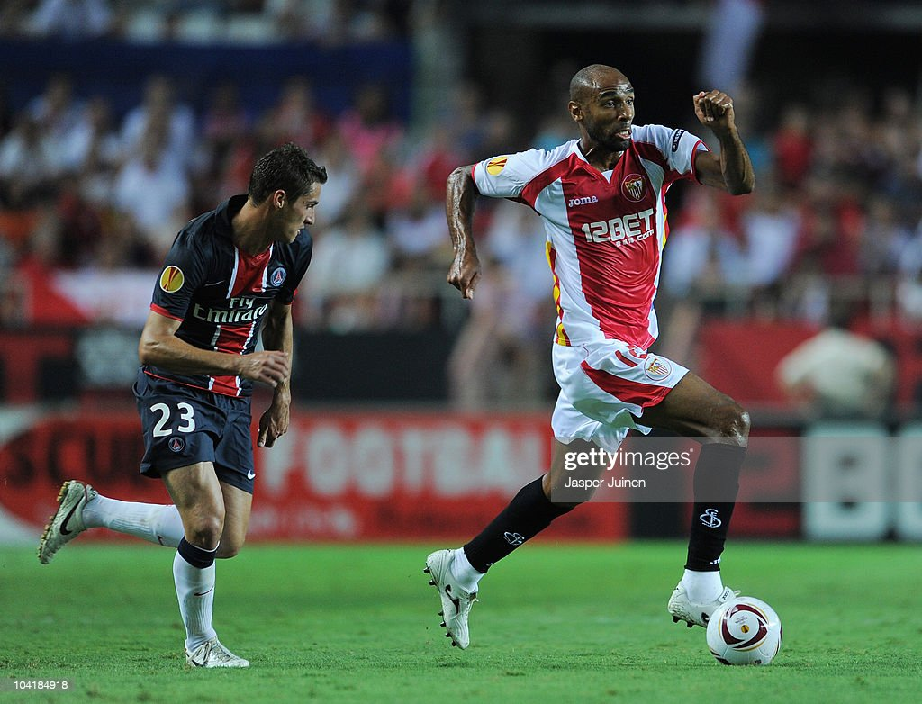 Frederic Kanoute (R) of Sevilla runs for the ball with Jeremy Clement of Paris Saint Germain during the UEFA Europa League group J match between Sevilla and Paris Saint Germain at the Estadio Ramon Sanchez Pizjuan on September 16, 2010 in Seville, Spain.