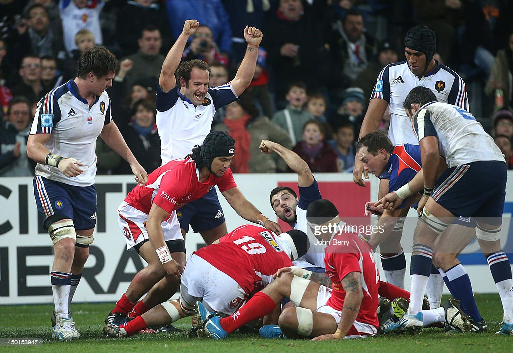 <a gi-track='captionPersonalityLinkClicked' href=/galleries/search?phrase=Frederic+Michalak&family=editorial&specificpeople=209294 ng-click='$event.stopPropagation()'>Frederic Michalak</a> of France celebrates the last try during the international match between France and Tonga at the Oceane Stadium on November 16, 2013 in Le Havre, France.