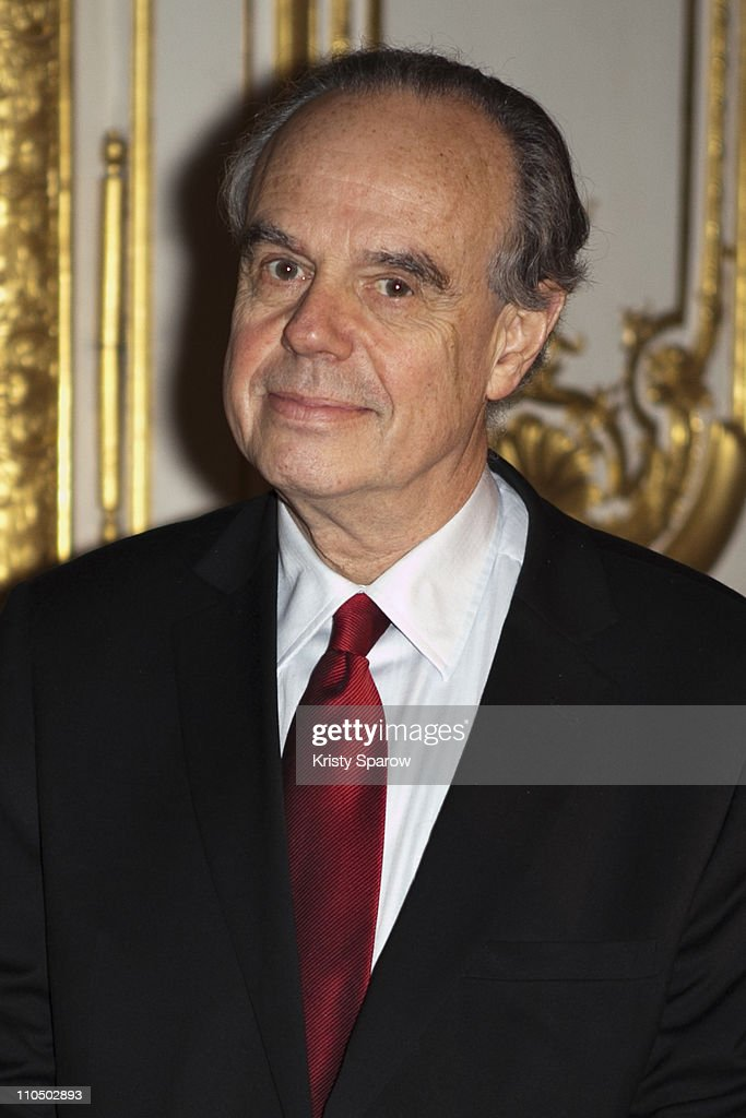 <a gi-track='captionPersonalityLinkClicked' href=/galleries/search?phrase=Frederic+Mitterrand&family=editorial&specificpeople=621709 ng-click='$event.stopPropagation()'>Frederic Mitterrand</a> Minister of French Culture and Communication instates the desk of Marie-Antoinette at Chateau de Versailles on March 21, 2011 in Versailles, France.