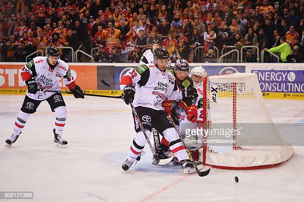 Fredrik Eriksson of Koelner Haie blocks Daniel Kreutzer of Duesseldorfer EG during the Ice Hockey DEL match between Duesseldorfer EG and Koelner Haie...