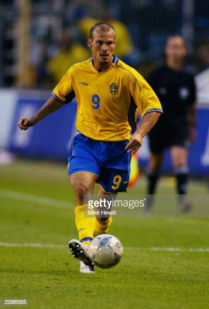 Fredrik Ljungberg of Sweden passes the ball during the UEFA European Championships 2004 Group 4 Qualifying match between Sweden and Poland held on...