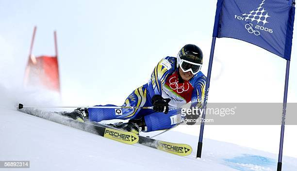 Fredrik Nyberg of Sweden competes in the Mens Alpine Skiing Giant Slalom competition on Day 10 of the 2006 Turin Winter Olympic Games on February 20...