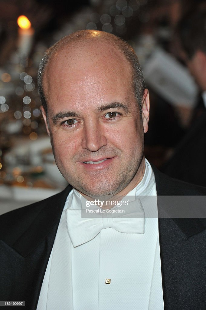<a gi-track='captionPersonalityLinkClicked' href=/galleries/search?phrase=Fredrik+Reinfeldt&family=editorial&specificpeople=861728 ng-click='$event.stopPropagation()'>Fredrik Reinfeldt</a> attends the Nobel Banquet at the City Hall on December 10, 2011 in Stockholm, Sweden.