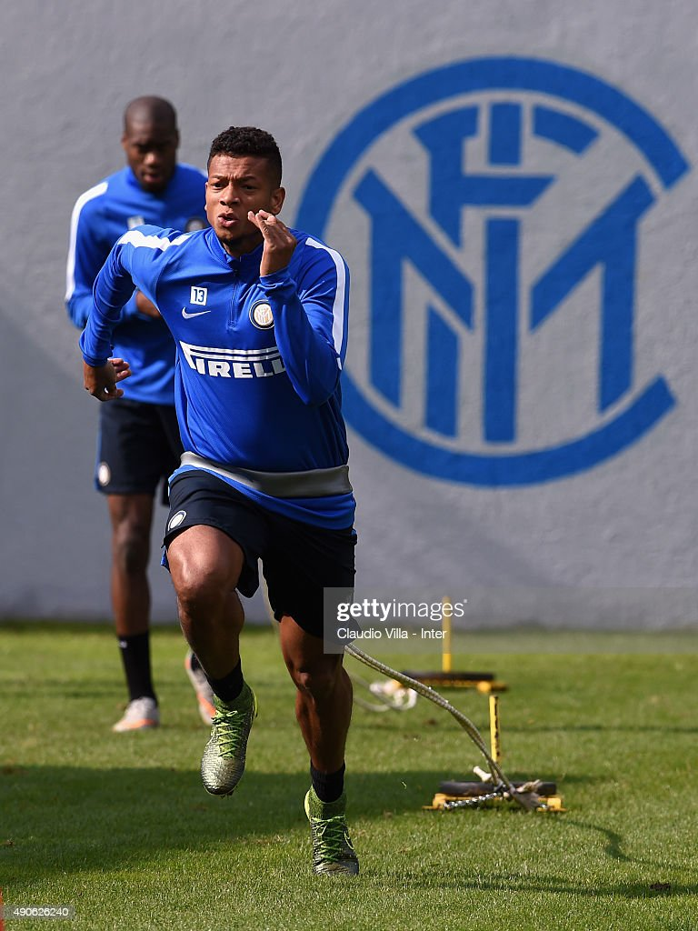 <a gi-track='captionPersonalityLinkClicked' href=/galleries/search?phrase=Fredy+Guarin&family=editorial&specificpeople=746933 ng-click='$event.stopPropagation()'>Fredy Guarin</a> of FC Internazionale in action during a training session at the club's training ground at Appiano Gentile on September 30, 2015 in Como, Italy.