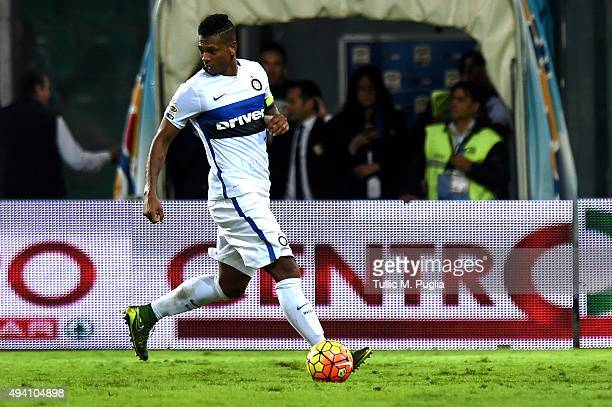Fredy Guarin of Inter in action during the Serie a match between US Citta di Palermo and FC Internazionale Milano at Stadio Renzo Barbera on October...