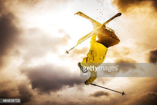 Free Style Skiing