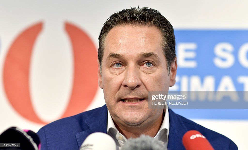 Freedom Party (FPOe) leader Heinz-Christian Strache speaks during a press conference after the result of the election run-off was overturned by the Austrian Constitutional Court, in Vienna, on July 1, 2016. / AFP / APA / HERBERT NEUBAUER / Austria OUT