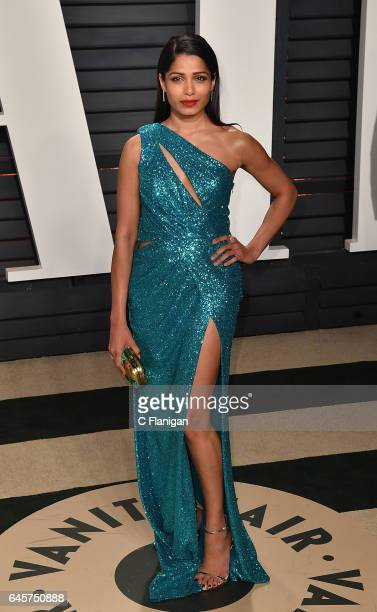 Freida Pinto attends the 2017 Vanity Fair Oscar Party Hosted by Graydon Carter at the Wallis Annenberg Center for the Performing Arts on February 26...