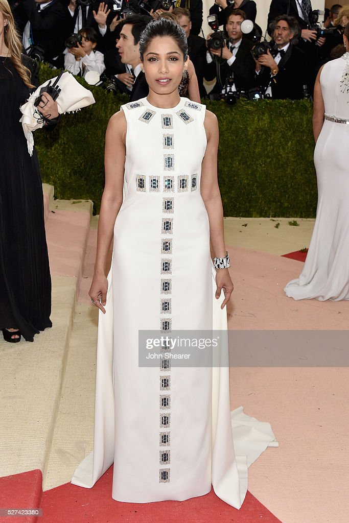 <a gi-track='captionPersonalityLinkClicked' href=/galleries/search?phrase=Freida+Pinto&family=editorial&specificpeople=5518973 ng-click='$event.stopPropagation()'>Freida Pinto</a> attends the 'Manus x Machina: Fashion In An Age Of Technology' Costume Institute Gala at Metropolitan Museum of Art on May 2, 2016 in New York City.