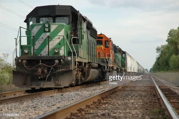 Güterzug warten, um den Titel