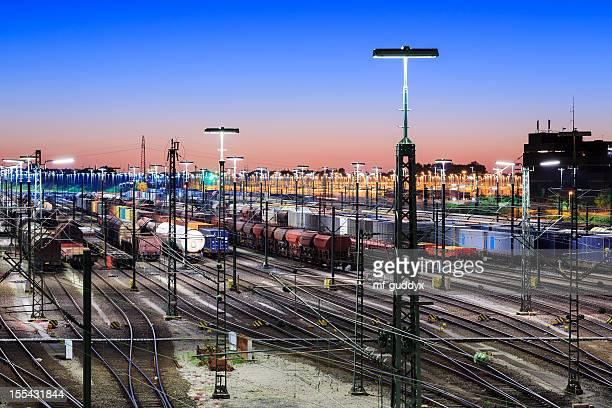 Güterzugverkehr, Waggons und Bahn