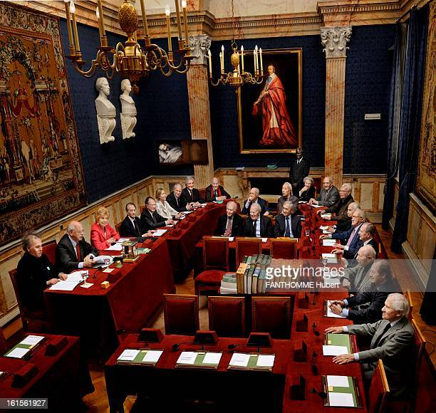 French Academy In 2009 60 years after his first cliche Paris Match is allowed to return to photograph a session in PARIS French Academy in the small...