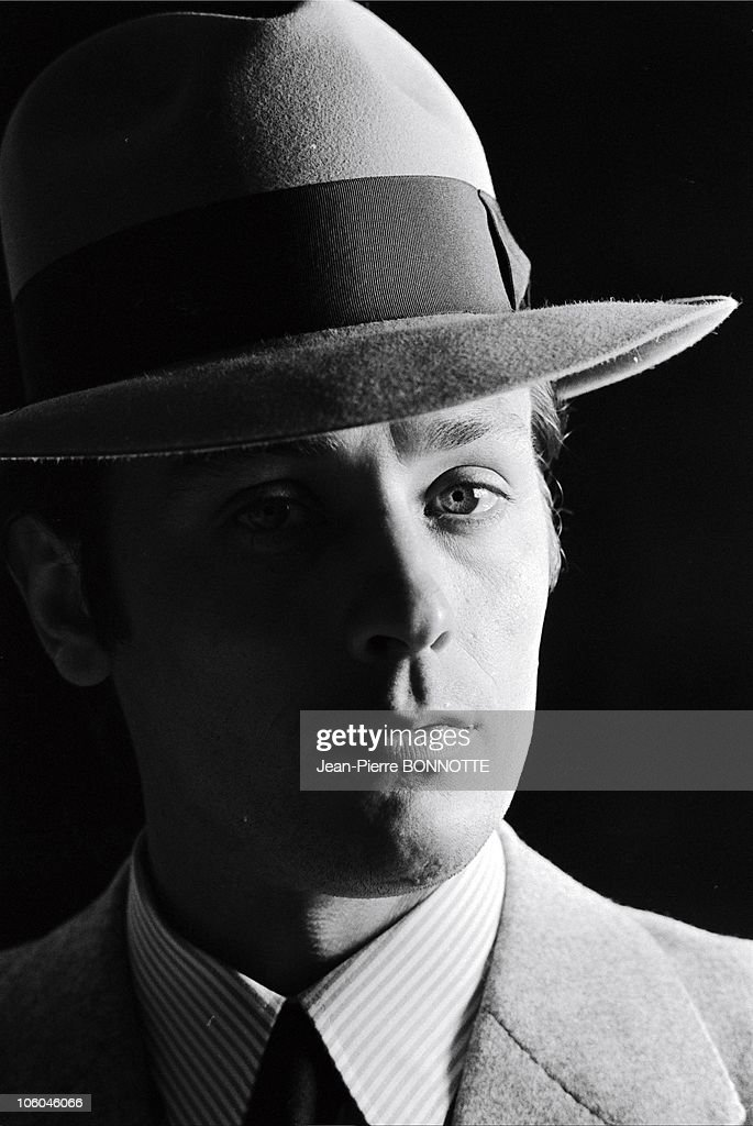 French actor <a gi-track='captionPersonalityLinkClicked' href=/galleries/search?phrase=Alain+Delon&family=editorial&specificpeople=228460 ng-click='$event.stopPropagation()'>Alain Delon</a> on the set of gangster movie Borsalino, directed by Jacques Deray in in 1970 in Paris, France.