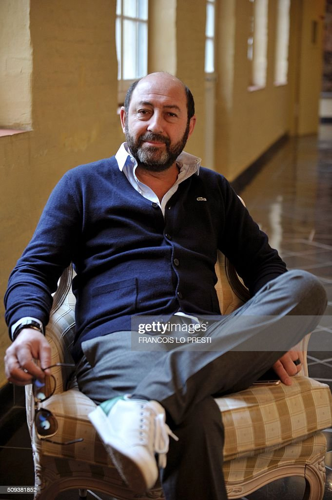 French actor and director Kad Merad poses on February 10, 2016 at the Gantois Holter in Lille, on the sidelines of a press conference for the presentaiton of his latest film 'Marseille'. / AFP / FRANCOIS LO PRESTI