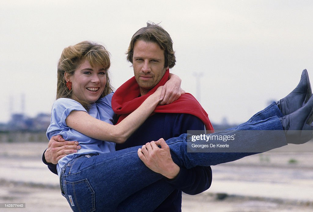 French actor Christopher Lambert and Roxanne Hart pose on a portrait session, Great Britain, June 1985.